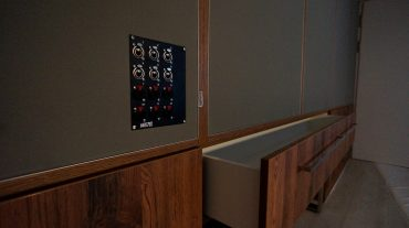 ADS Acoustic Design System Rückwand mit Schubladen und Anschlussfeld