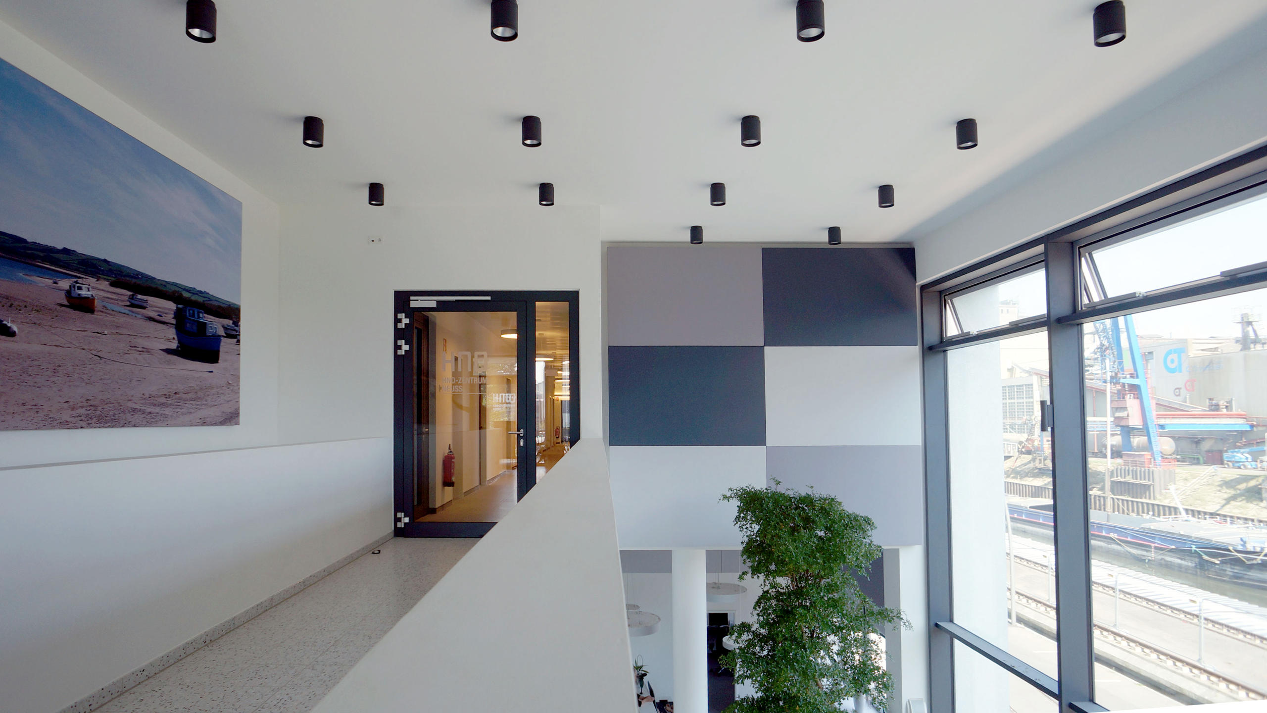 A700 Wall modules above reception