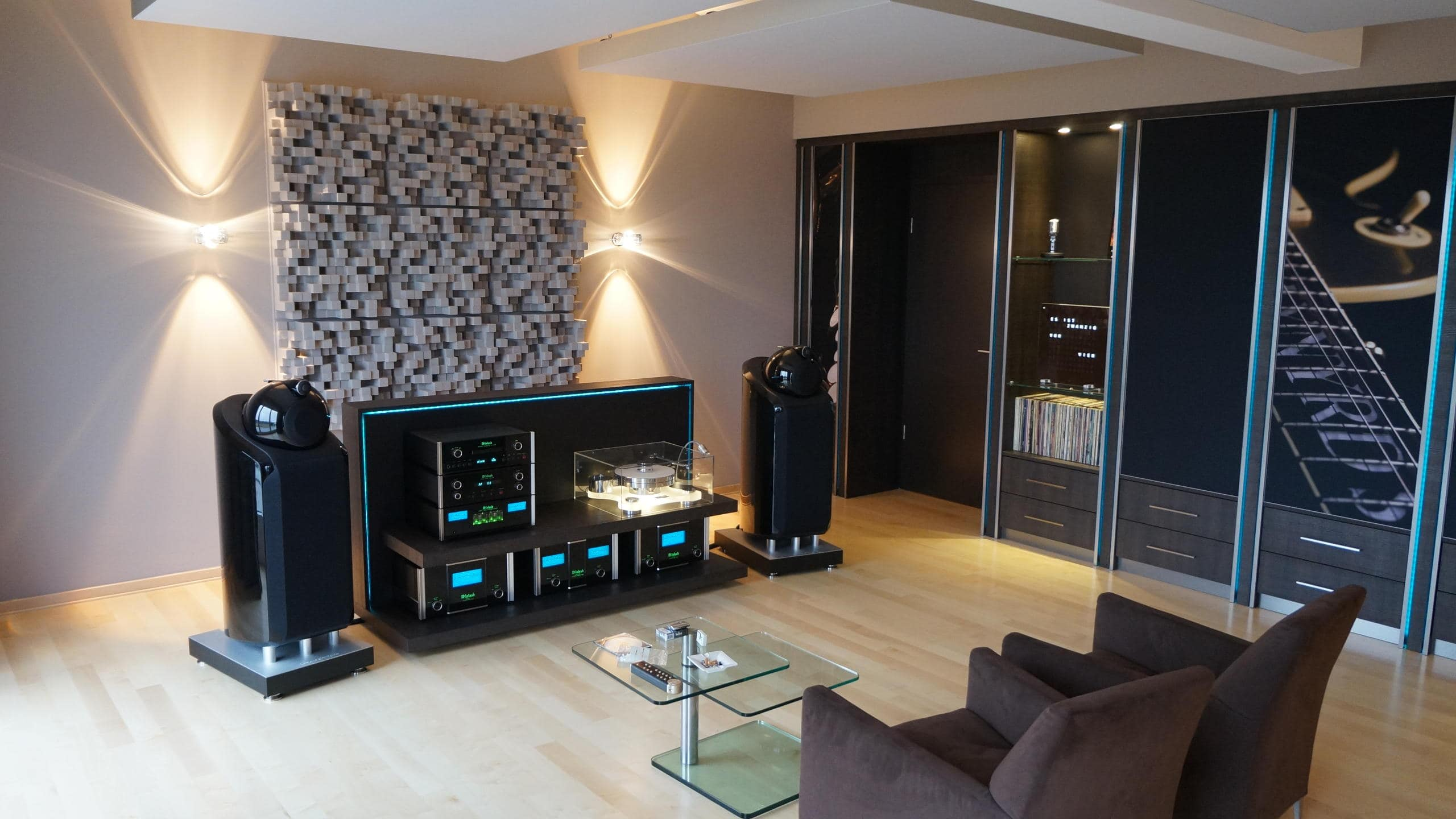 listening room with acoustic cabinet wall mbakustik i b ro f r raumakustik. Black Bedroom Furniture Sets. Home Design Ideas