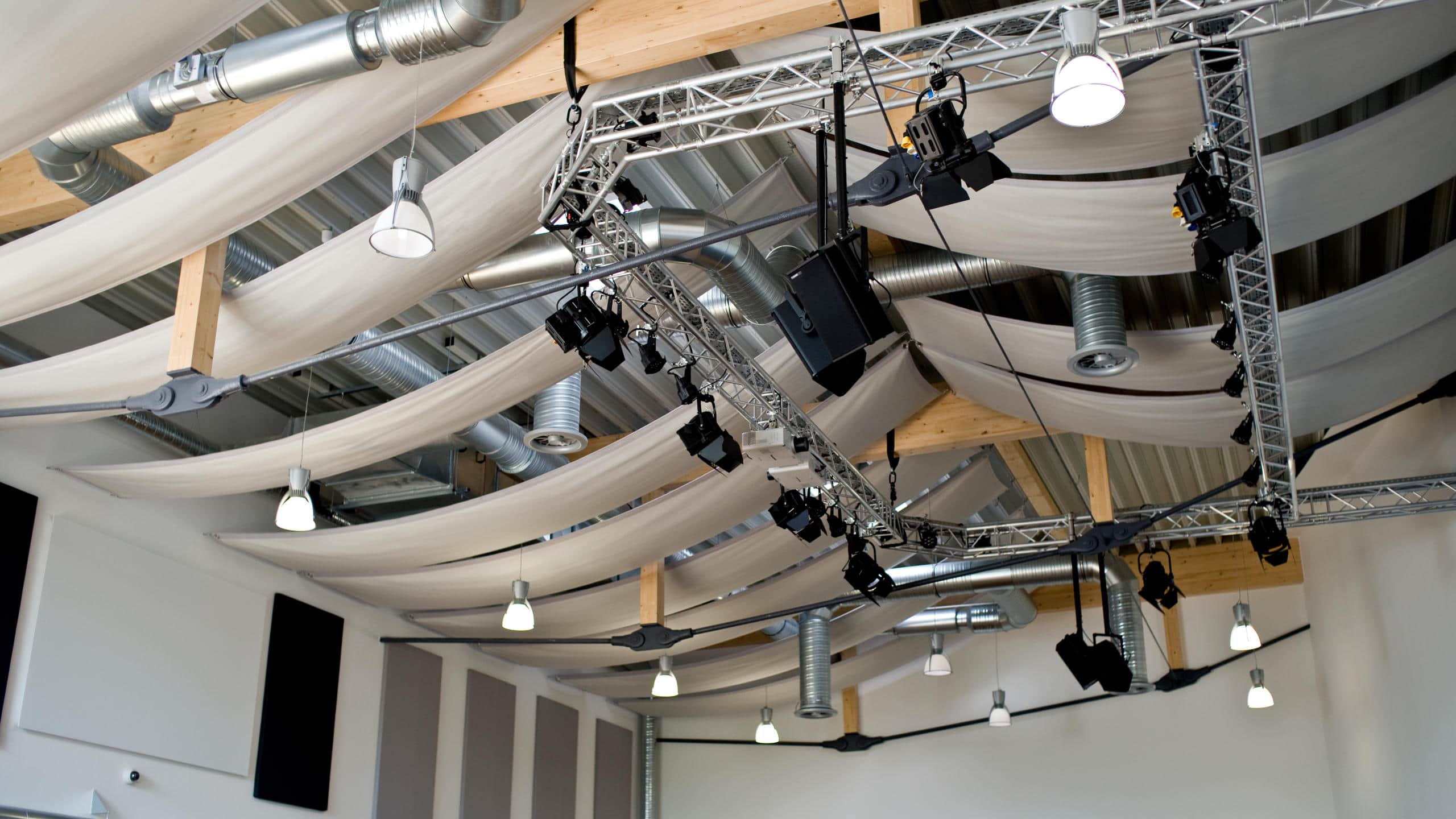 Acoustic-Cloud under the ceiling