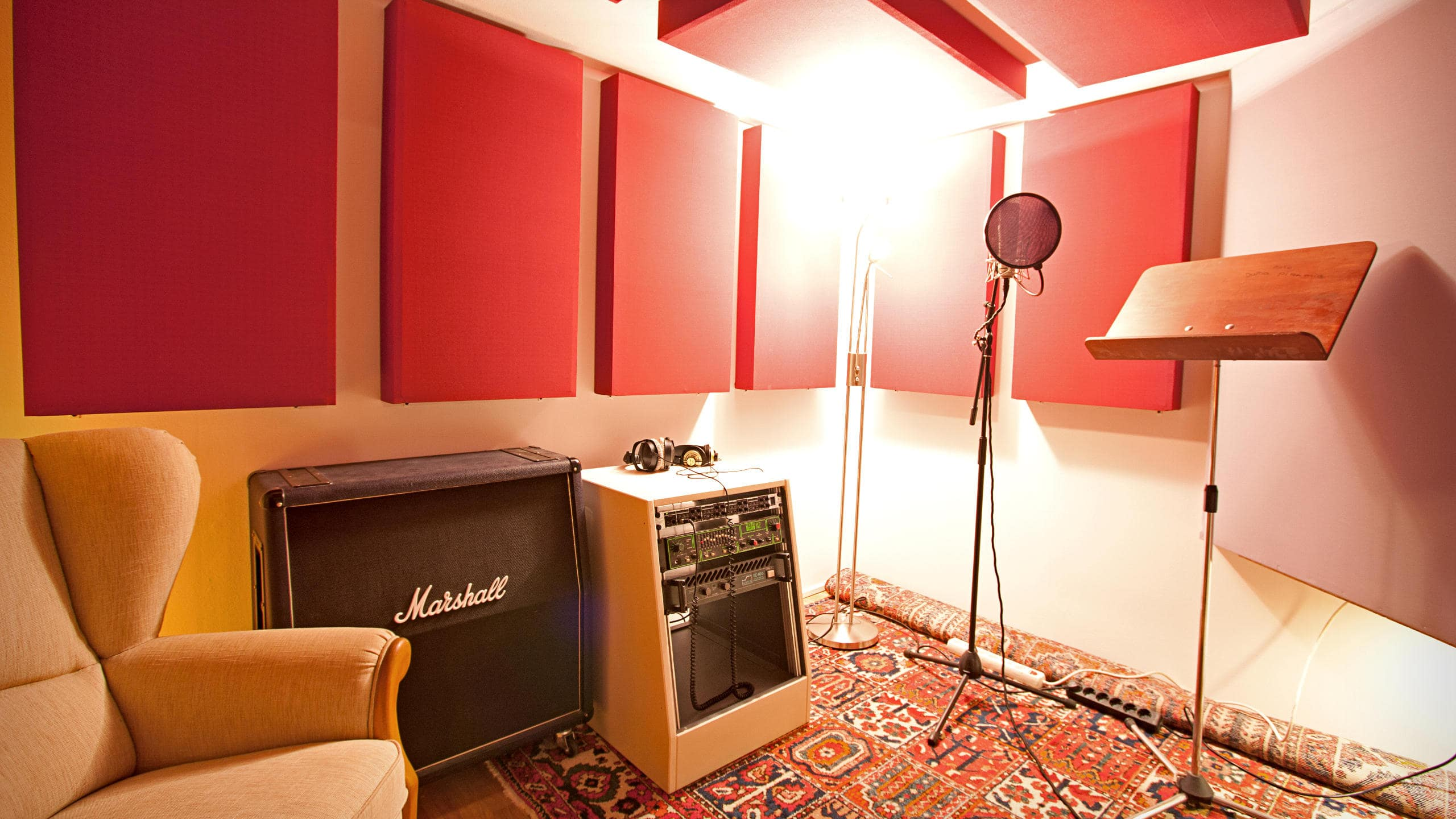 Tracking Room 2