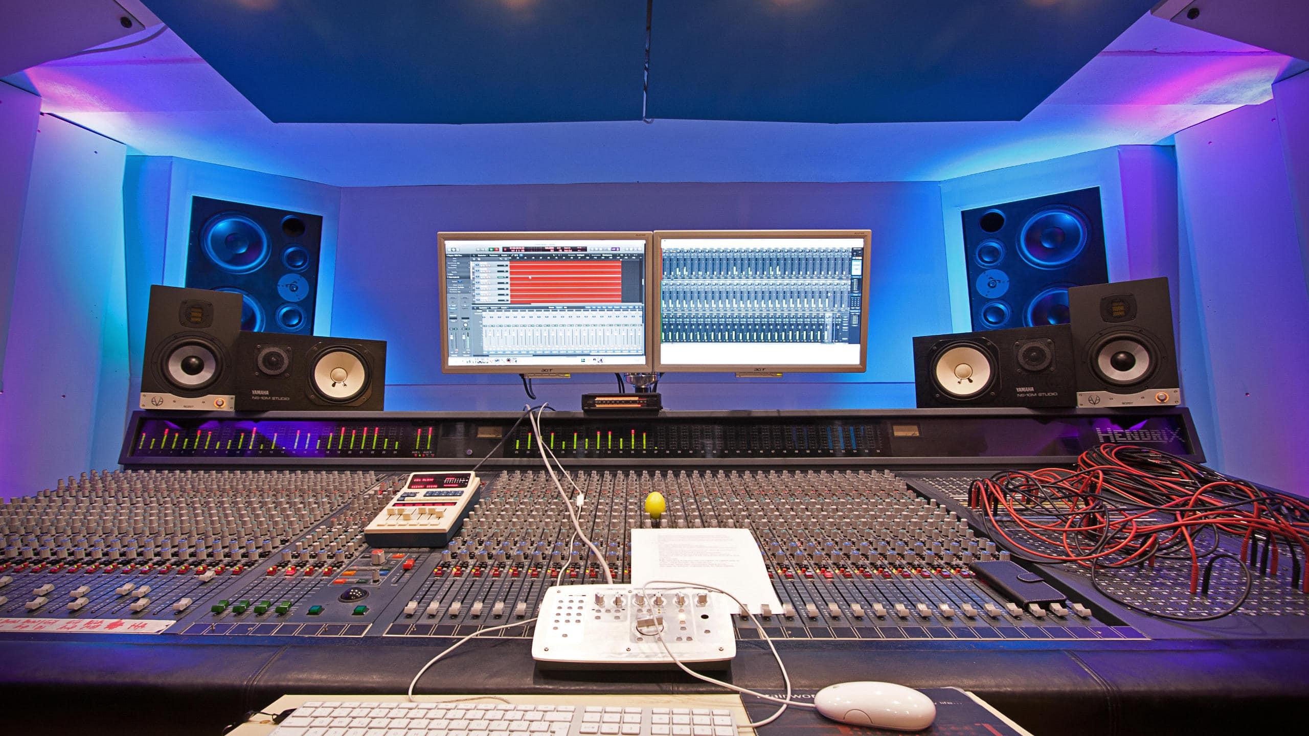 Desk Control Room A