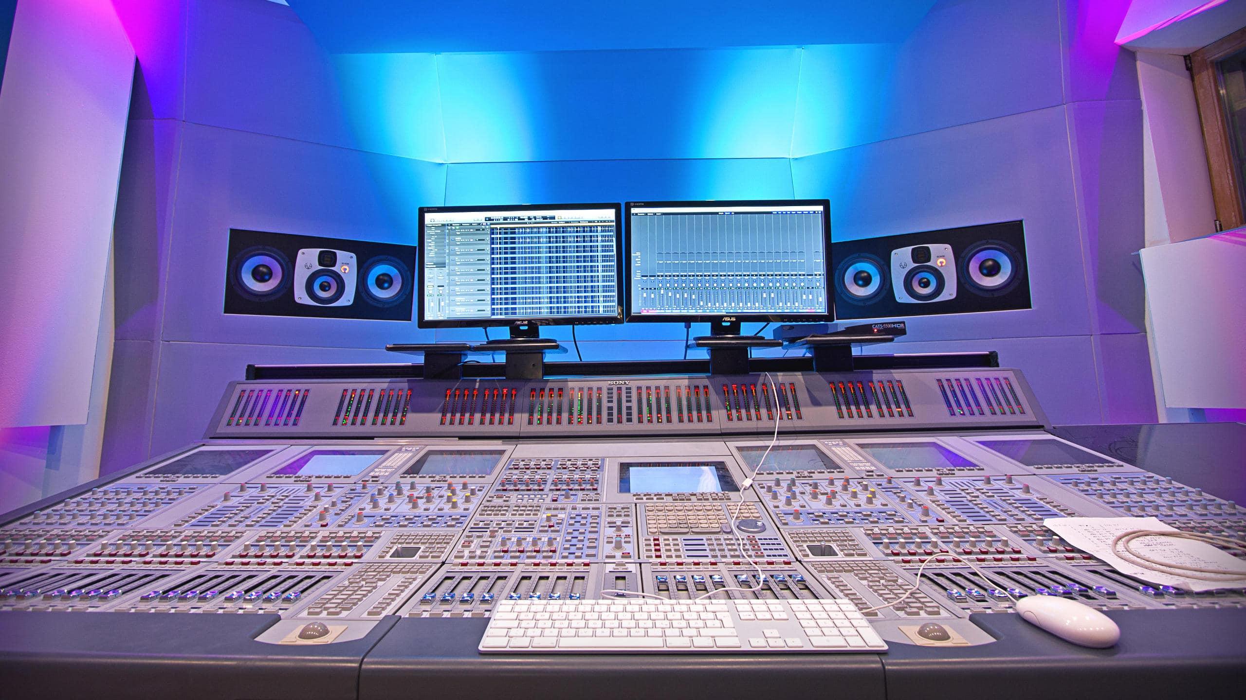 Desk Control Room B