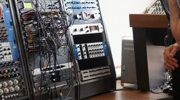 Cosinus analoges Korrekturfilter im Rack von Richard Kruspe (Rammstein)