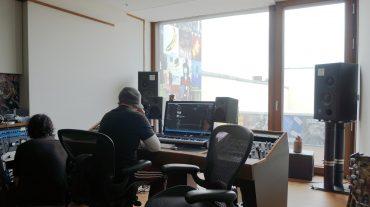 Richard Kruspe beim Hörtest während der Inbetriebnahme